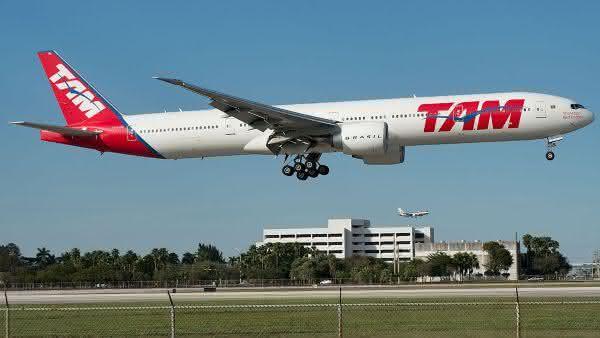 Boeing 777 entre os avioes de passageiros comerciais mais rapidos do mundo