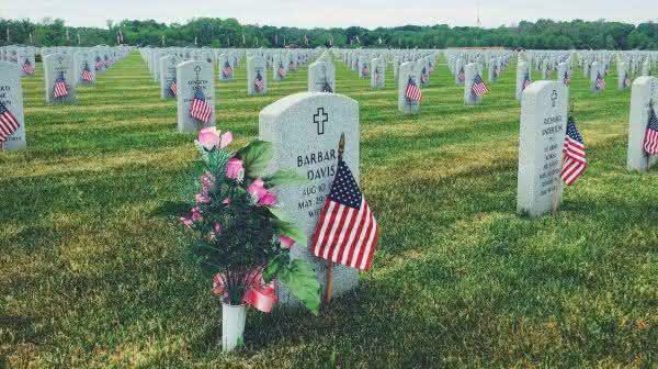 Abraham Lincoln National Cemetery entre os maiores cemiterios do mundo