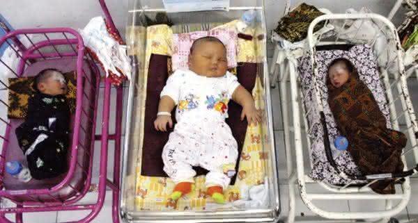 Top 10 maiores bebês recém-nascidos do mundo 5