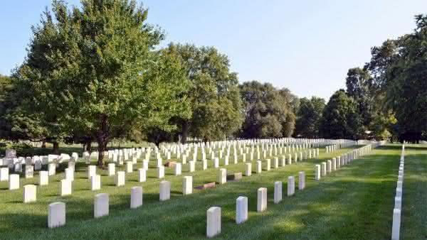 Crown Hill Cemetery entre os maiores cemiterios do mundo