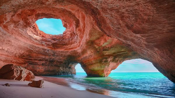 praia Algar de Benagil entre as praias mais bizarras do mundo