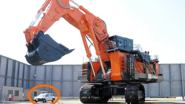 Hitachi EX8000-6 entre as maiores escavadeiras do mundo