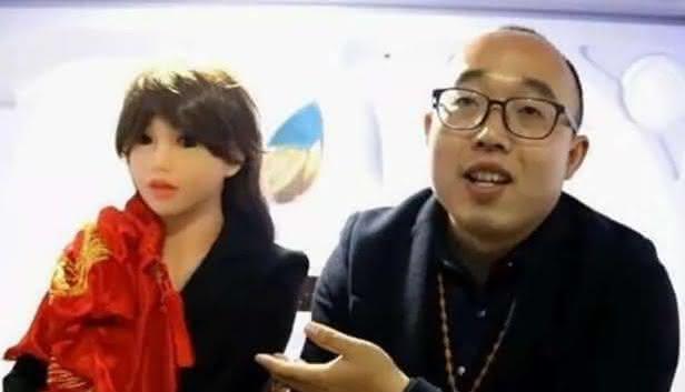 zheng e sua boneca