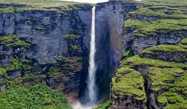 Cachoeira da Fumaca entre as cachoeiras mais altas do brasil