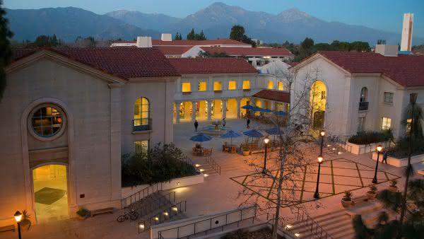 California Community Colleges System entre as maiores universidades do mundo