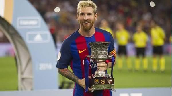 Lionel Messi entre os jogadores de futebol com mais titulos da historia