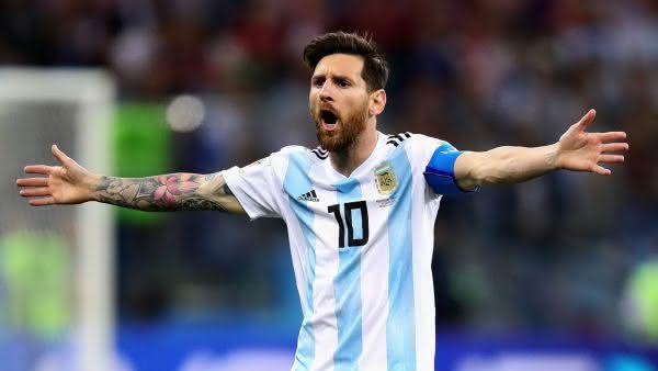Lionel Messi entre os maiores jogadores da argentina em todos os tempos