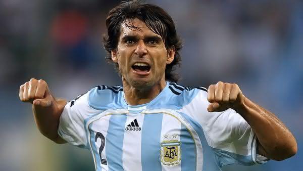 Roberto Fabian Ayala entre os maiores jogadores da argentina em todos os tempos