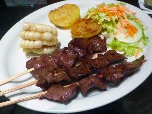 Anticuchos mejores comidas peruanas
