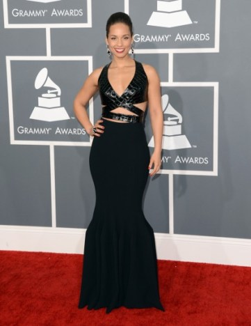 alicia-keys-arrives-at-the-55th-annual-grammy-awards-at-staples-center-in-los-angeles-california_420x545_38