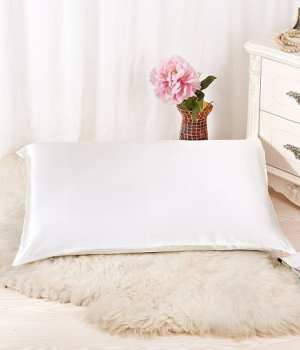 Top 10 Best Silk Pillowcases for Every Sleeping Beauty in 2018 Reviews