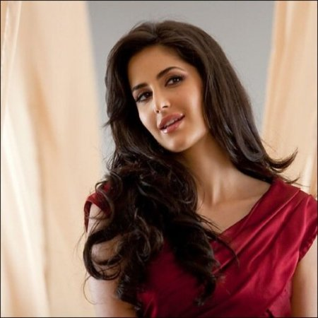 2.Top 10 Sexiest and Hottest Bollywood Actresses
