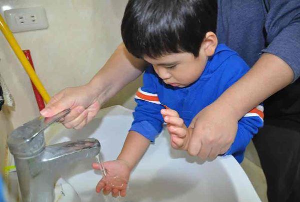 咳痰喘3徵兆!恐染呼吸道融合病毒 | 華人健康網