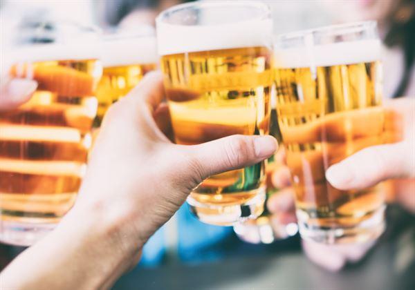 夏日喝啤酒,可利尿還是容易得到結石?常讓民眾存有迷思。