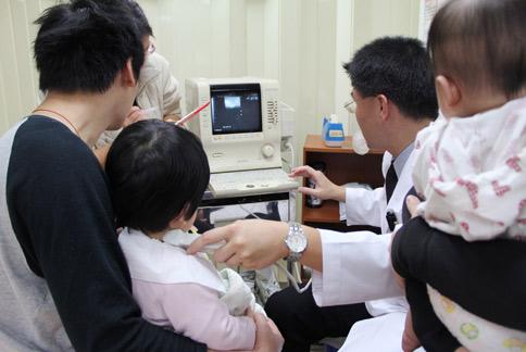 寶寶「歪脖子」 斜頸復健可改善 | 華人健康網