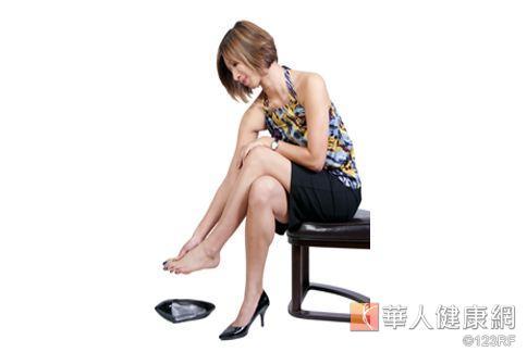 研究:穿高跟鞋趕路 易損傷膝蓋 | 骨科 | 健康新知 | 華人健康網