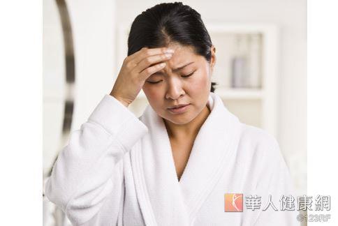 癌症患者使用標靶藥物及化療藥治療,普遍都有紅腫、乾癢與黑色素沈澱等皮膚問題。