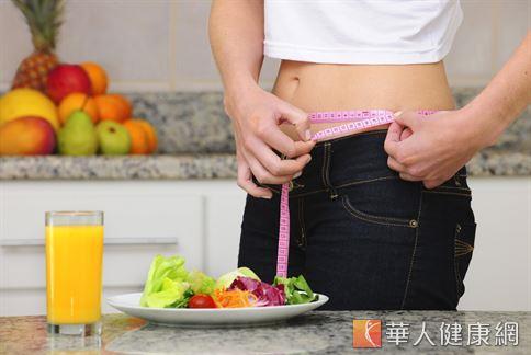 許多有瘦身、減重需求的民眾多會選擇戒除澱粉的減重飲食方式。但營養師提醒,均衡飲食、適度運動才是最健康的減重方式。