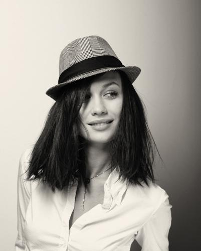 #5 Olga Kurylenko Pics!