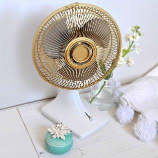 gold fan