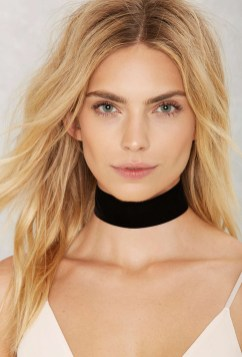 black-choker-necklaces-nasty-gal