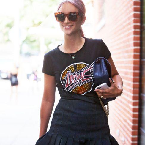 nyfw-street-style-graphic-tee-skirt-charlotte
