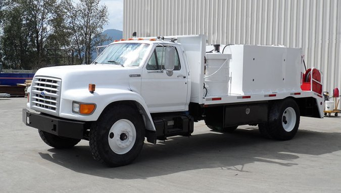 Topolewski America Inc    Topcor   For Sale     18 000 pound rear end  dual tool boxes  air brakes with highway valve   plumbed for rear trailer with air brakes and pintle hitch  Waste oil tank   AC