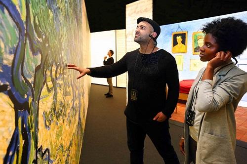 Meet Vicent Van Gogh