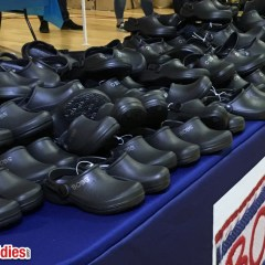 Skechers & Shoes .com Donate 500 Shoes To Vancouver Children (Video)