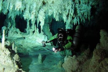 Sistema Ox Bel Ha , Mexiko Najväčšia jaskyňa na svete