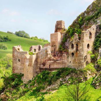 Hrad Vršatec Zrúcaniny hradov na Slovensku