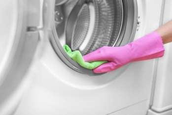 ako sa zbaviť smradu práčky Zápach z pračky , Smrad z pračky - príčiny a ako sa ho zbaviť .