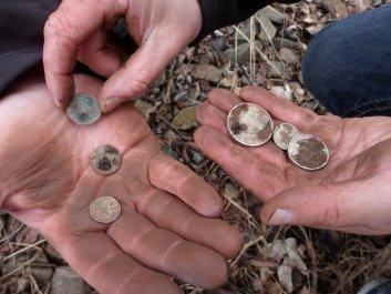S detektorom kovu našiel v rieke nevyčisliteľný poklad