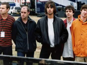 Oasis Knebworth 1996 online cz dabing 2021