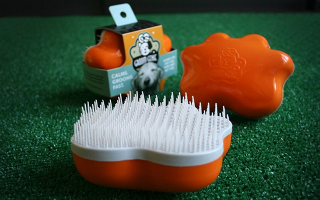 The Groom Genie is Based on a Popular Hair Brush for Humans