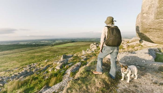 How to go backpacking with dogs