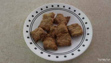 Homemade Peanut Butter and Oat Dog Treat Recipe