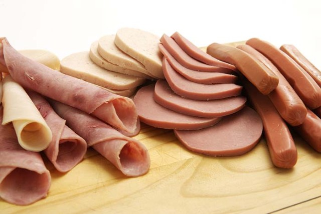 Can dogs eat processed meats like bologna