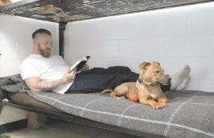 """""""Project Good Dog"""" Helps Heal Prisoners and Get Dogs Adopted"""