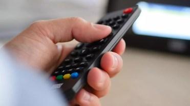 Uso de mando a distancia del August DA100D