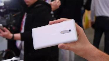 Imagen de la trasera del Nokia 5