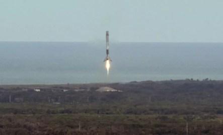 Despegue de cohete SpaceX con Dragón