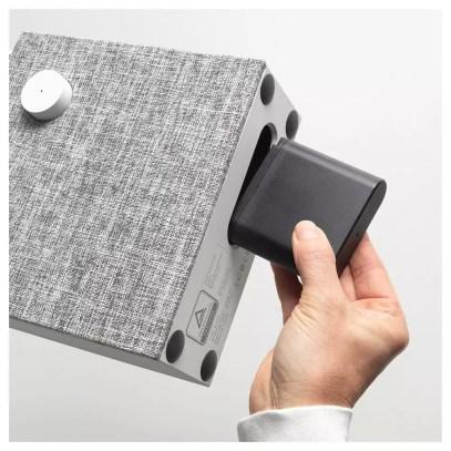 Uso de batería en el altavoz Esta permite una autonomía de unas 10 horas y, además, es lo único que tendrás que montar en los IKEA Eneby Bluetooth.