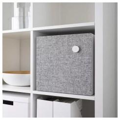 IKEA Eneby Bluetooth colocado en un mueble
