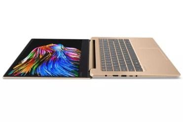 Portátil Lenovo IdeaPad 550S abierto