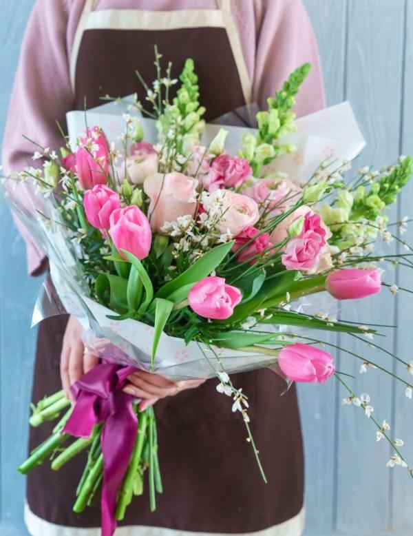 Букеты из тюльпаны и эустома купить в ТопФло, с быстрой ...