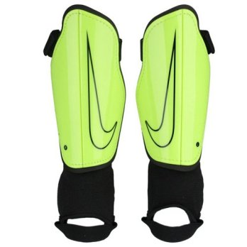 Goalkeeper Equipment List — What Goalkeepers Need To Buy (Football Shin Pads, Ankle Protector)