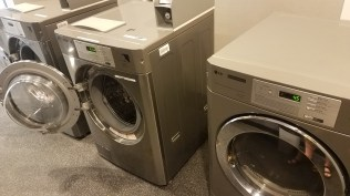 Home2 laundry facilities.