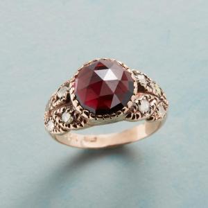 Anik Kastan Queen Of Roses Ring