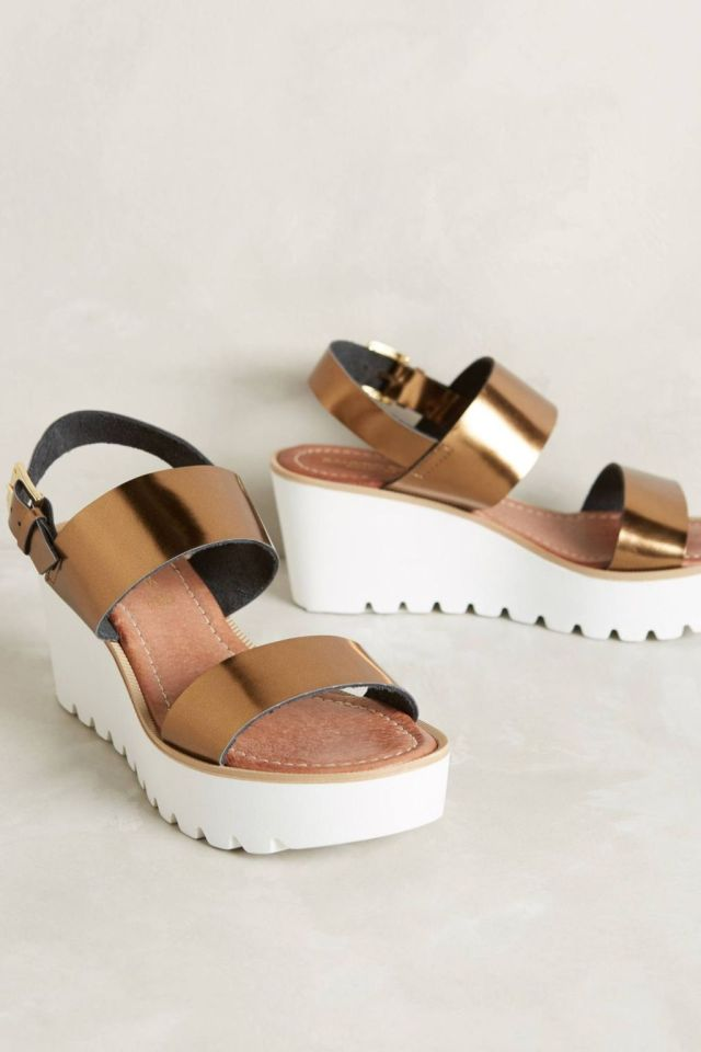 Felicita Wedges by Sandro Rosi